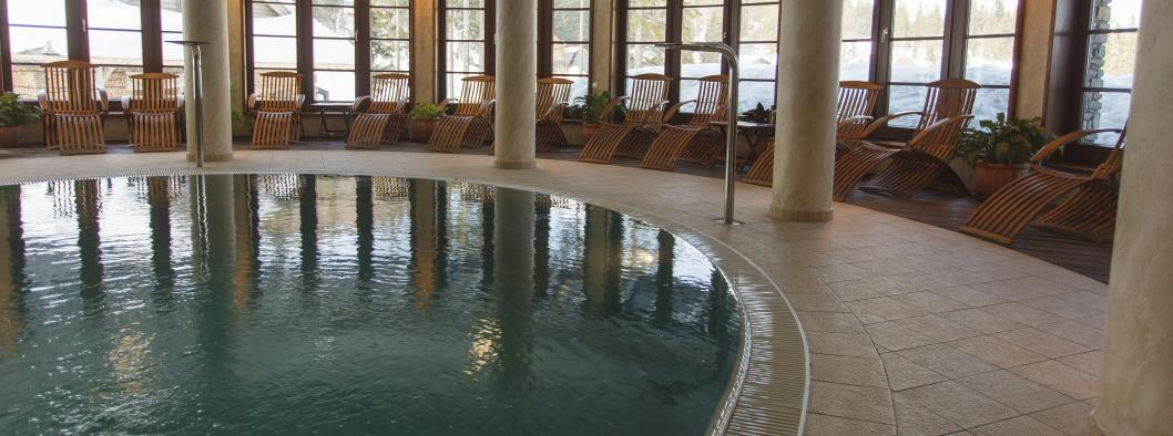 DISINFECTION AND CLEANING OF POOLS AND SPA